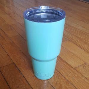 32 oz yeti cup